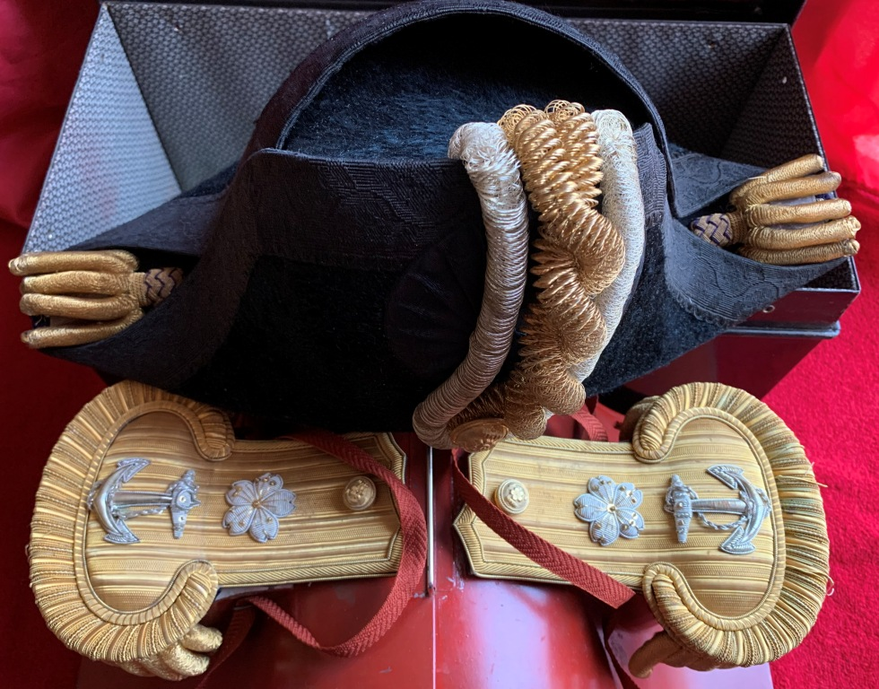 Bicorne et épaulettes de grande tenue d'officier de marine japonaise  Bicorn16