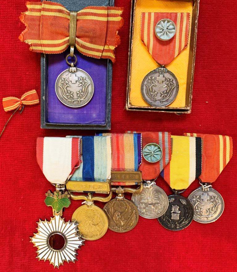 Médaille du mérite de la croix rouge japonaise pour hémorroïdes ? Croix_12