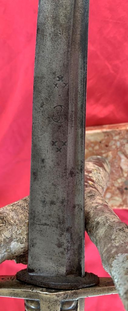 sabres (3) briquet douteux : bidouille, réemploi des lames ??? Img_1618
