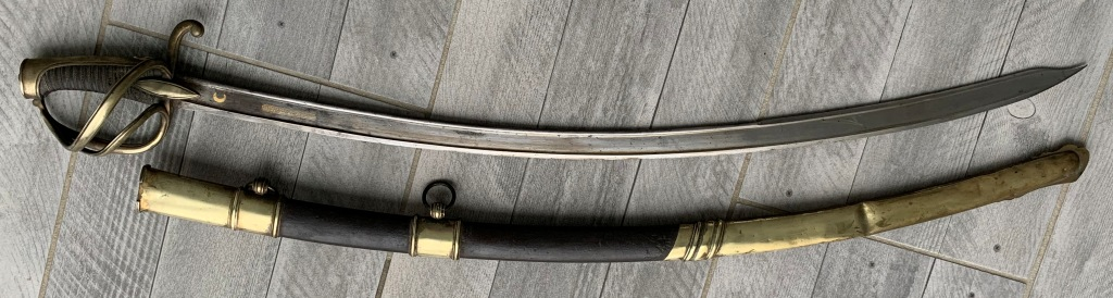 """sabre chasseur fourreau acier lame """"ottomane ?"""" de prise 1er empire ?? Sabre_11"""