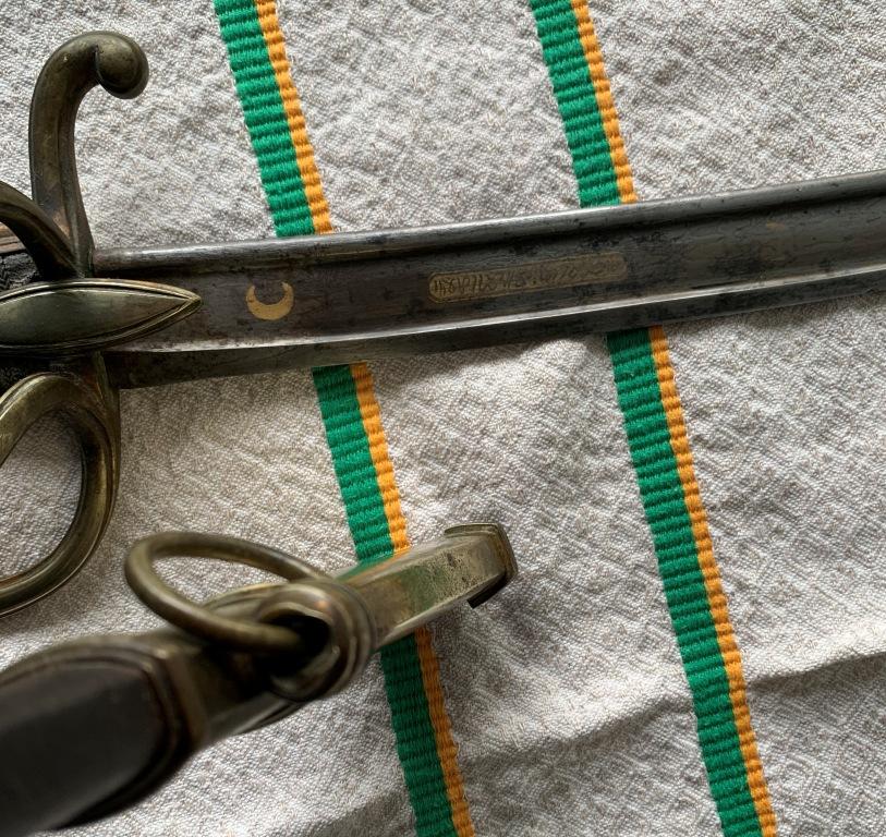 """sabre chasseur fourreau acier lame """"ottomane ?"""" de prise 1er empire ?? Sabre_15"""
