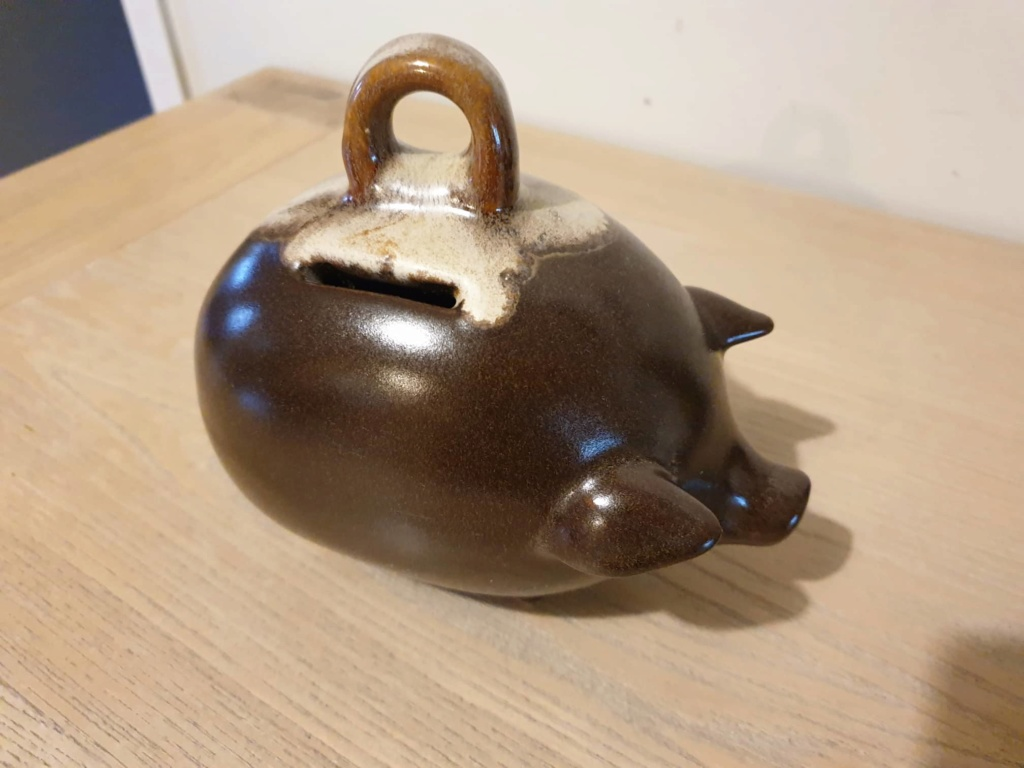 Piggy bank unknown maker 64989910