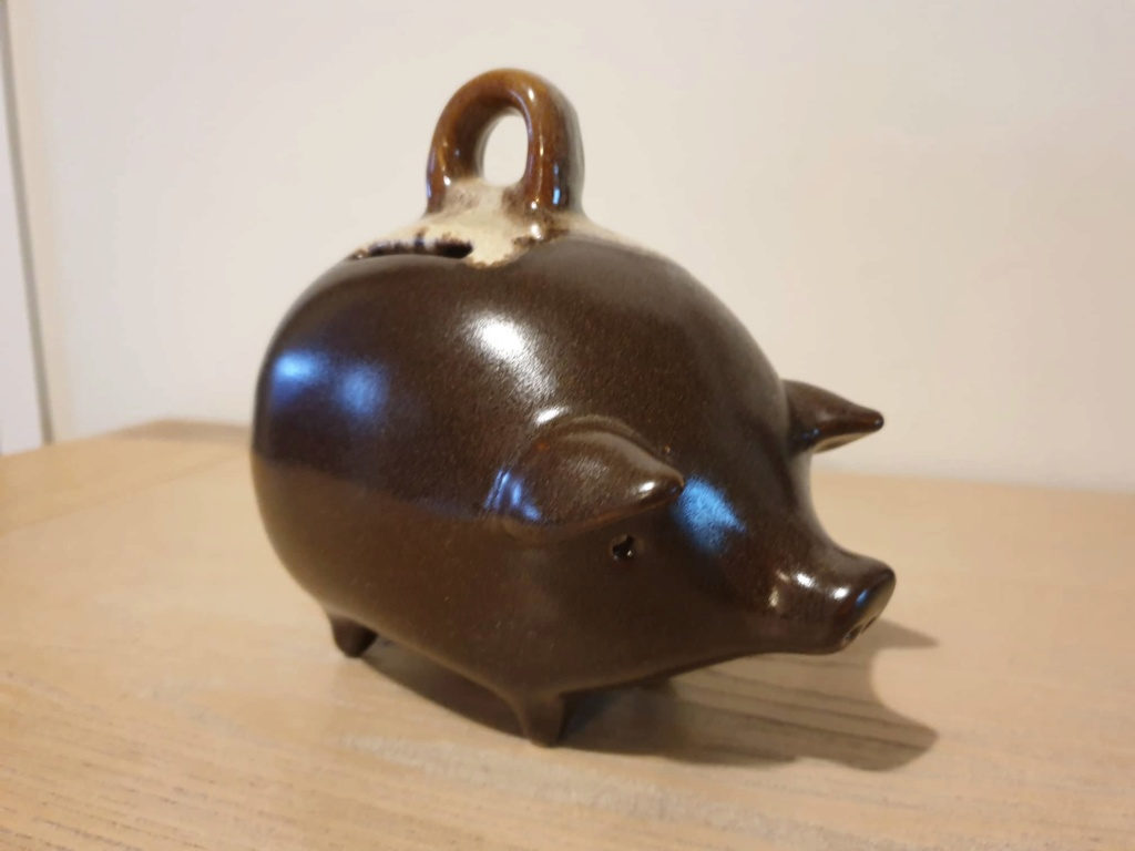 Piggy bank unknown maker 65283910