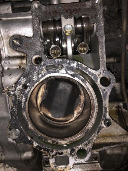 Motor verliert Öl Img_1315