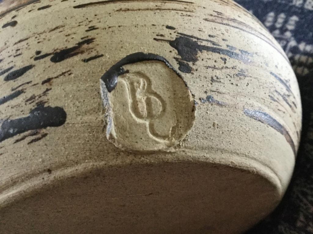 Help with potters BP or BL mark please round pot pourri? 6d3eca10