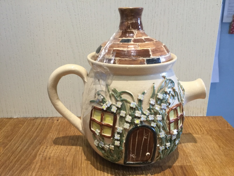 Hand made teapot by M. Slocombe  7a603310