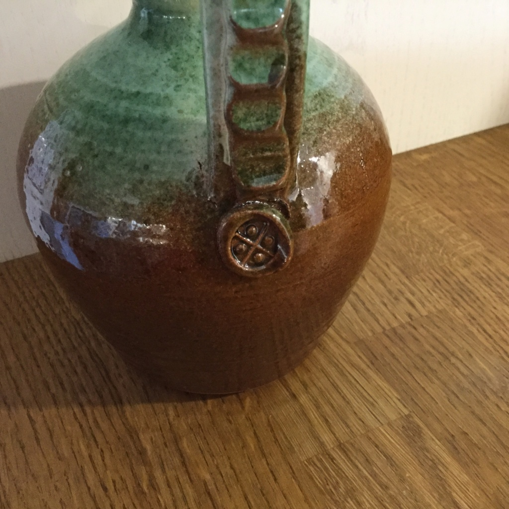 Makers mark identification please nicely glazed flagon 8f791010