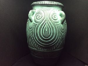 Please identify pottery urn/vase no makers mark Aa363610