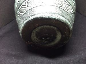 Please identify pottery urn/vase no makers mark Cf54f110