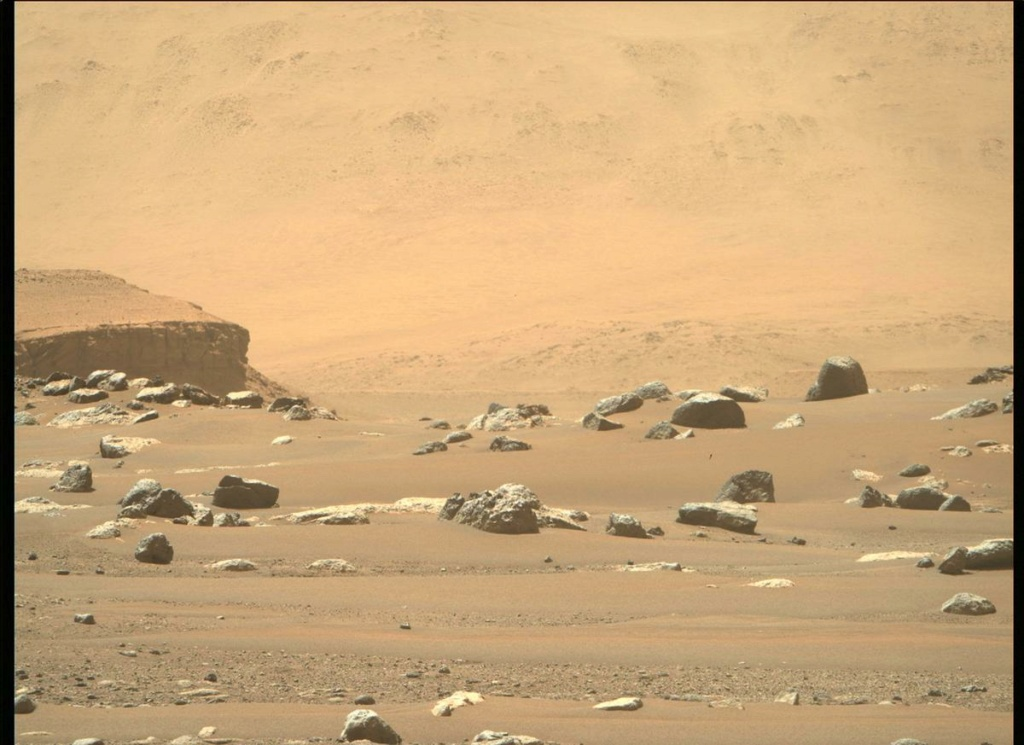 Mars 2020 (Perseverance - Ingenuity) : exploration du cratère Jezero - Page 2 134