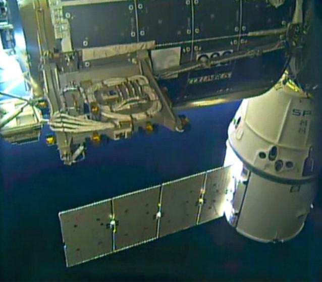 [ISS] Plateforme commerciale Bartolomeo fixée à Columbus - Page 3 Barto10