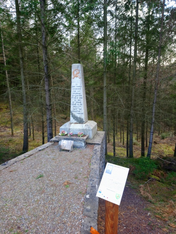 Monument FTP Jean VIALAT Pierre DENAES Combressol Corrèze  Dsc_2815