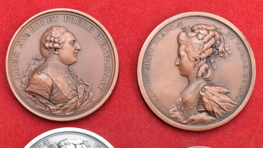 Pièces, médailles et médaillons mis en vente - Page 6 Zzzz211