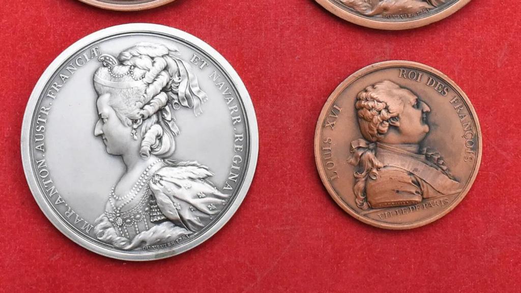 Pièces, médailles et médaillons mis en vente - Page 6 Zzzz212