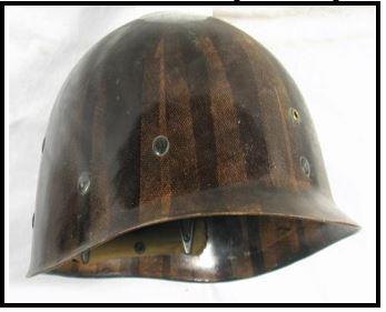 Origine du casque de combat Cc_0810