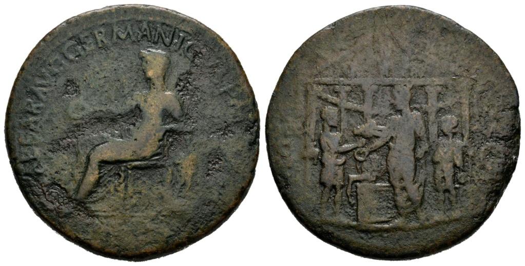 Sestercio Calígula. DIVO AVG. Templo y emperador sacrificando. Roma 001-1011