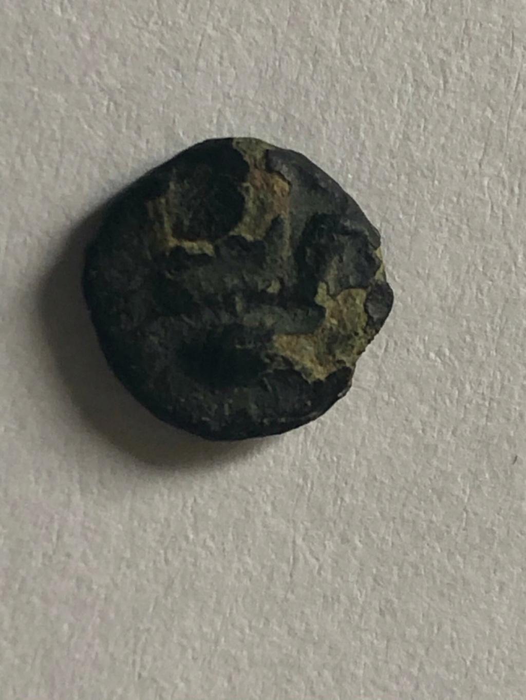 Divisor incierto en bronce. Atenea con ureus/Atenea (?). Siglo III a.C. Img-2014
