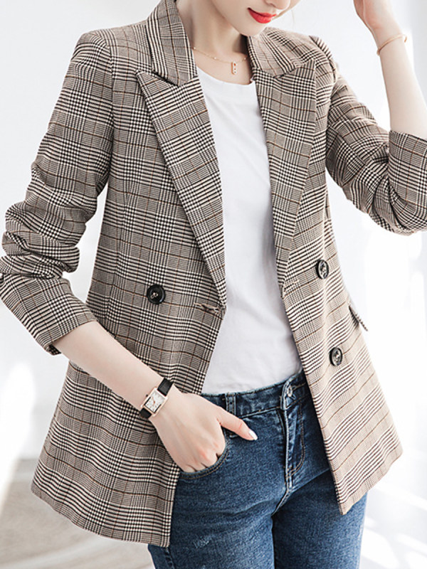 Outerwear women should buy according seasons 613u7610