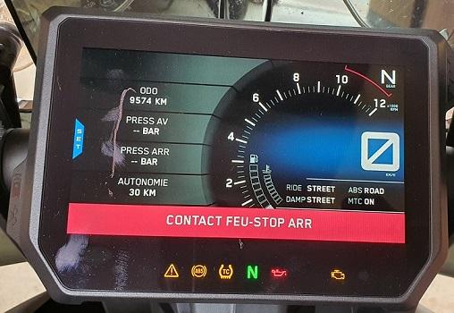 Défaut contact frein Av.  Bandeau rouge   Inconstant 20200711