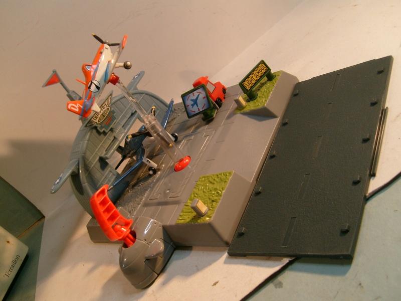 mes autres Cars 1 , 2 , 3 et Planes !!! toutes marques et matieres - Page 5 S7302226