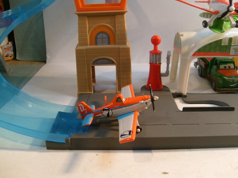 mes autres Cars 1 , 2 , 3 et Planes !!! toutes marques et matieres - Page 6 S7302272