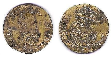 imitation d'époque d'un real d'or de Philippe II Monnai12