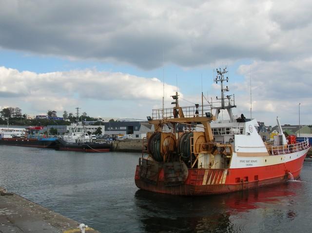 [VIE DES PORTS] Quelques bateaux de pêche (sur nos côtes Françaises) - Page 3 06_09_19