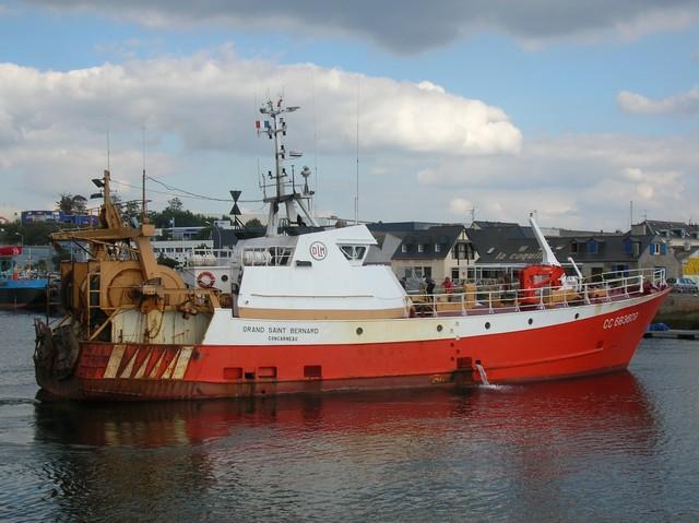 [VIE DES PORTS] Quelques bateaux de pêche (sur nos côtes Françaises) - Page 3 06_09_20