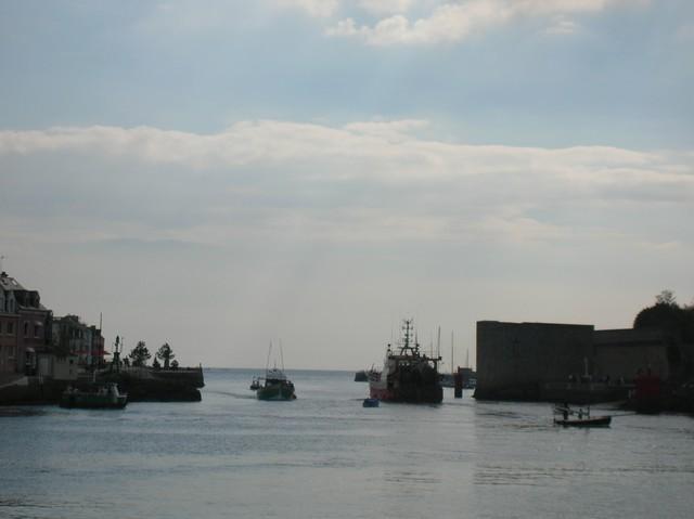 [VIE DES PORTS] Quelques bateaux de pêche (sur nos côtes Françaises) - Page 3 06_09_24