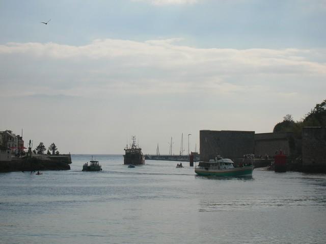 [VIE DES PORTS] Quelques bateaux de pêche (sur nos côtes Françaises) - Page 3 06_09_26