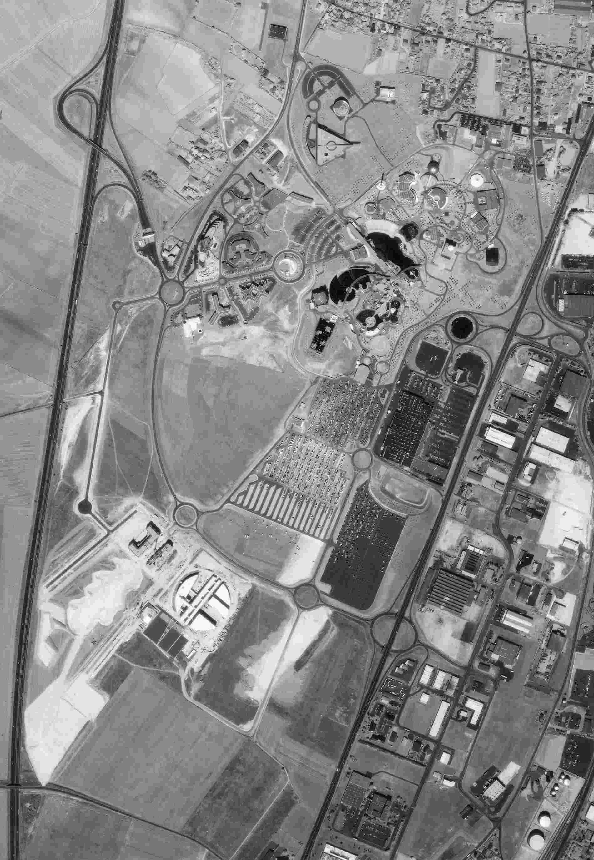 Vues aériennes du Parc - Page 4 Futuro10