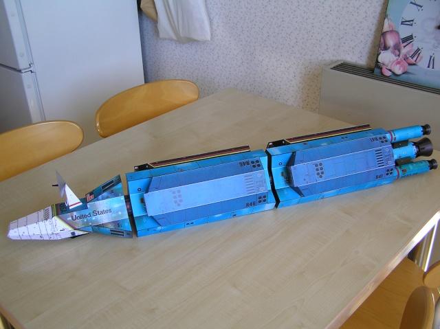 Cargo spatial géant et sa navette P9060011