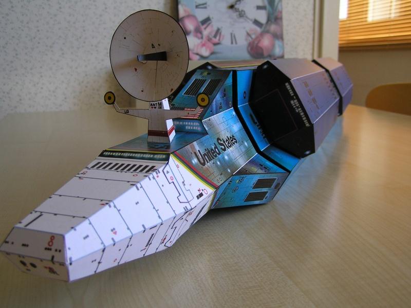 Cargo spatial géant et sa navette P9060015