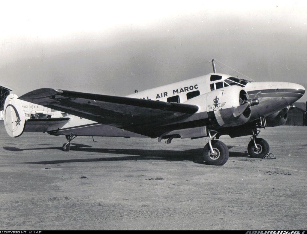 Anciens avions de la RAM - Page 4 Clipbo22