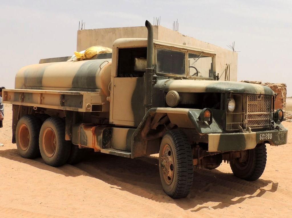 Photos - Logistique et Camions / Logistics and Trucks - Page 4 Clipbo25