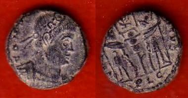 Ae3 de Constantino II (Crismón: GLORIA EXERCITVS) Copia_11
