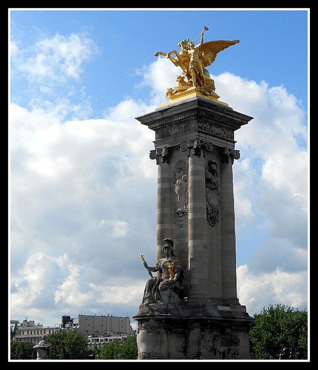 LE PONT ALEXANDRE III (PARIS) Pont_a12