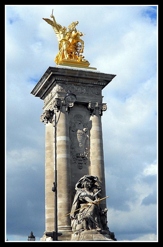 LE PONT ALEXANDRE III (PARIS) Pont_a13