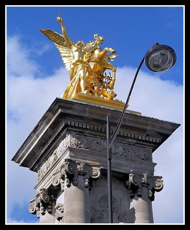 LE PONT ALEXANDRE III (PARIS) Pont_a14