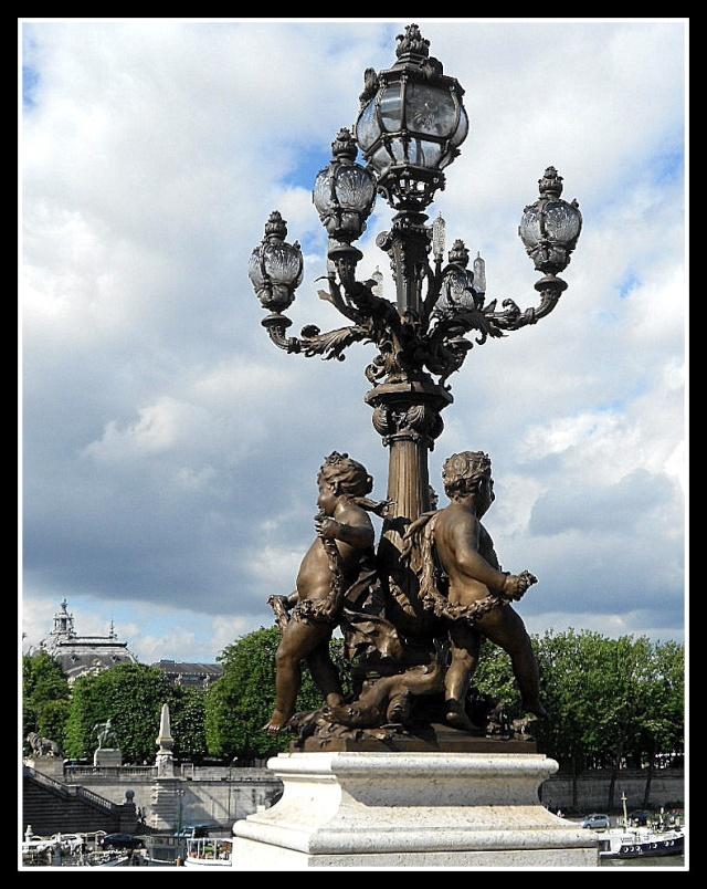 LE PONT ALEXANDRE III (PARIS) Pont_a15