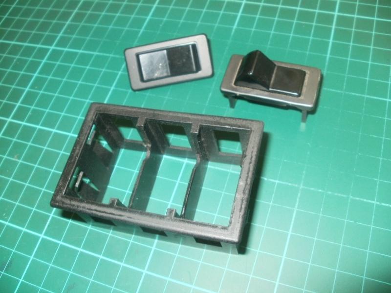 interrupteurs intérieur gauche P5190010