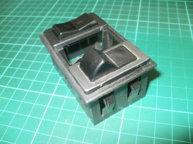interrupteurs intérieur gauche P5190011