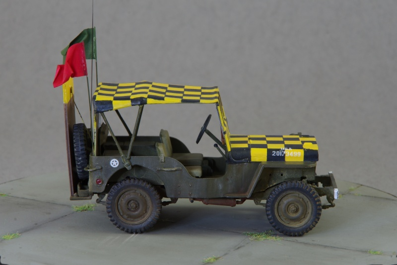 Jeep Follow me 1/35 (base Italeri) Imgp5321