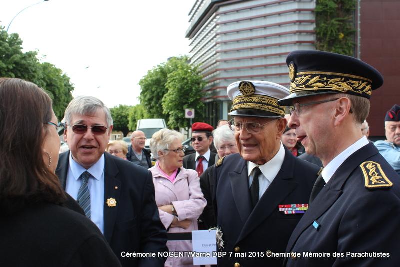 Reportage 2015 cérémonie Dien Bien Phù à Nogent sur Marne 088-im11