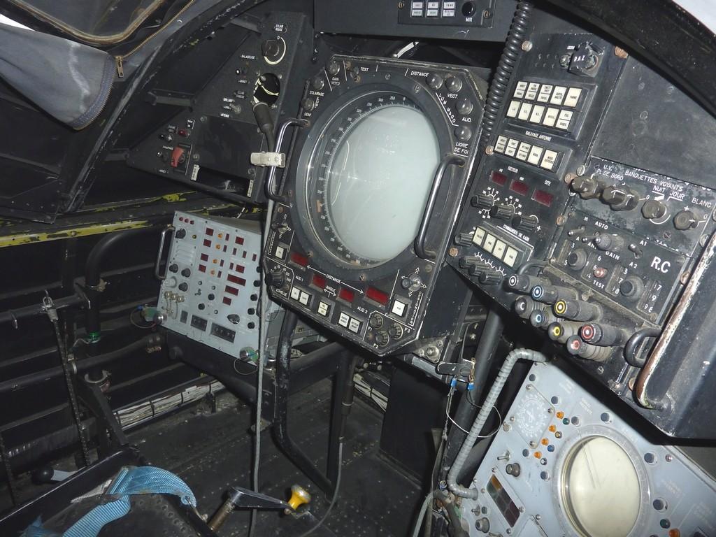 [Aéronavale divers] Breguet Alizé BR 1050 - Page 7 Poste_13