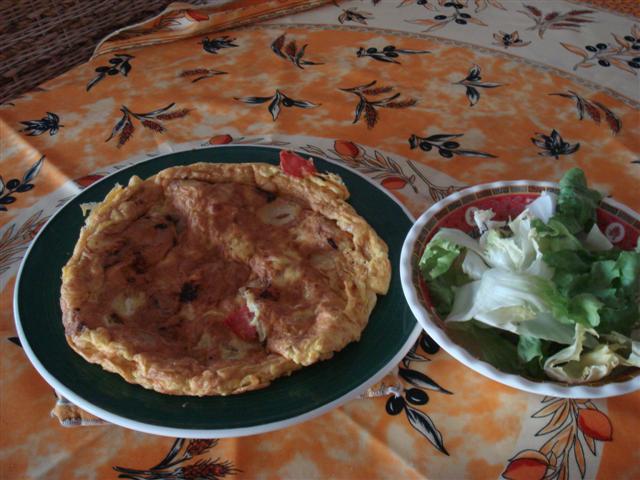 Tortilla chorizo et oignons Dsc00110