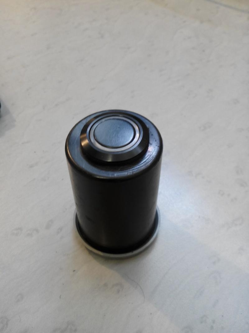 Recupération boite pellicule photo pour faire boitier étanche pour interrupteur Boite_10