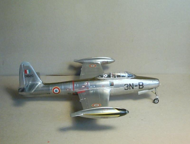 Republic F-84E Thunderjet, base Heller F-84G  Republ14