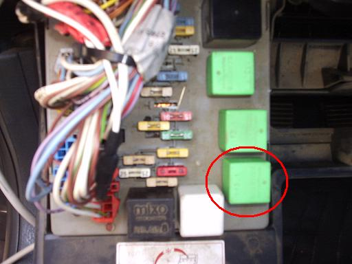 2 vitres electriques arrières en panne en même temps P7020110