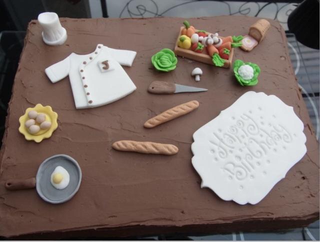 deux gâteaux d'anniversaire 410